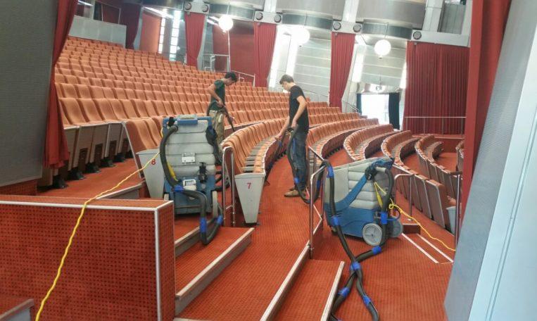 ניקוי שטיחים לכנסים ואולמות אירועים