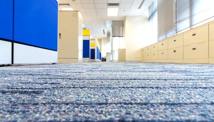 ניקיון שטיחים גדולים למשרדים - מקצוענים 2000