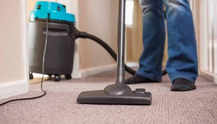 ניקוי שטיחים יסודי באופן שוטף לטובת שמירה על רמת תברואה תקינה