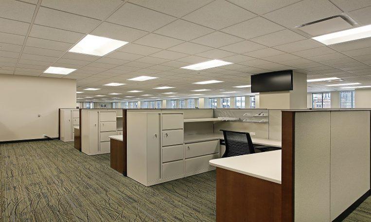 ניקוי שטיחים מקיר לקיר לארגונים - מקצוענים 2000