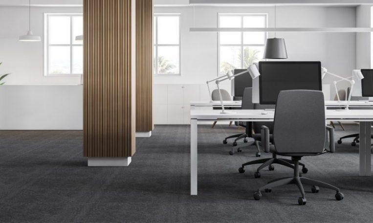 ניקוי שטיחים מקיר לקיר לעסקים - מקצוענים 2000